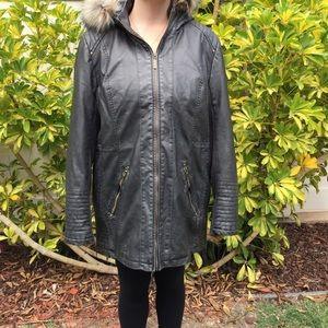 Woman's motto faux leather ja cakes coat size XL